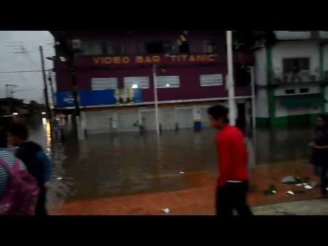 RIO COATZACOALCOS DESBORDANDO EN EL MALECON DE MINATITLAN