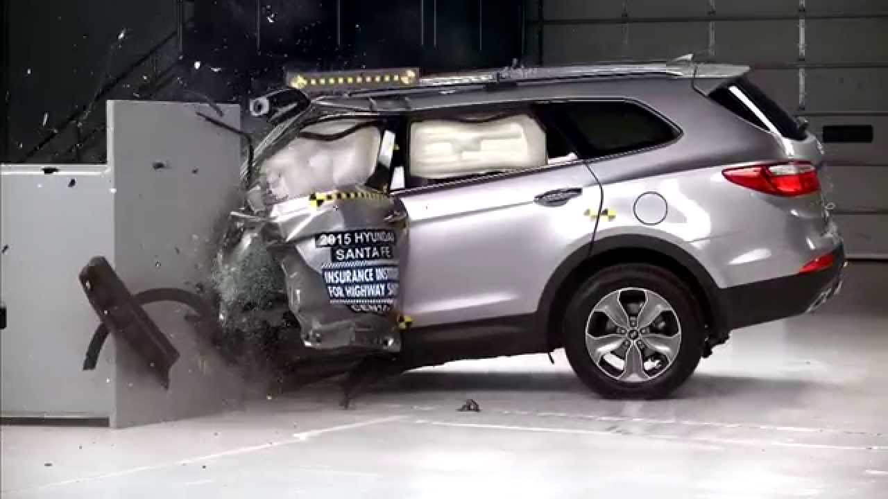 Iihs 2015 Hyundai Santa Fe Small Overlap Crash Test