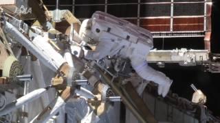ジェフリー・ウイリアムズ宇宙飛行士とキャスリーン・ルビンズ宇宙飛行...