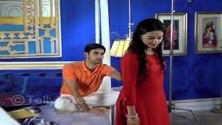 Swara and Sanskaar's TICKLING game in Swaragini