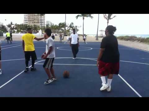 Basketball @ fort lauderdale beach