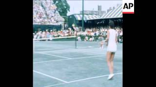 LADIES US TENNIS CHAMPIONSHIP AT FOREST HILLS - 1977