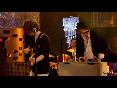 The Kooks - Shine on (The Graham Norton Show, July 3rd 2008)