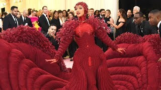 Met Gala 2019: Cardi B Arrives With Several Handlers to Help With Her Dress!