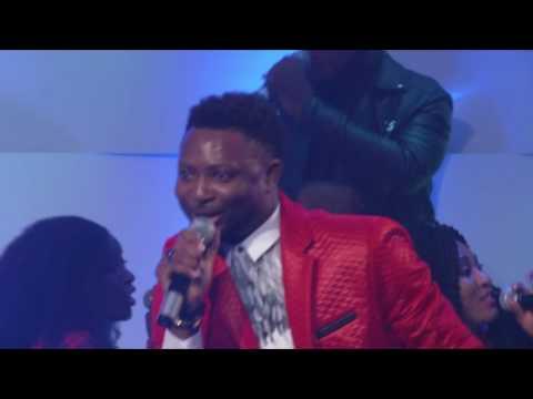 Dee Jones- Mighty God (Live)