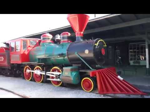 STAYING IN A TRAIN CAR! Full Hotel Tour & Review of the Chattanooga Choo Choo Hotel, Chattanooga, TN