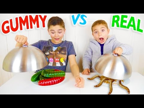 Thumbnail: GUMMY FOOD VS REAL FOOD CHALLENGE - Bonbons ou Vraie Nourriture ?