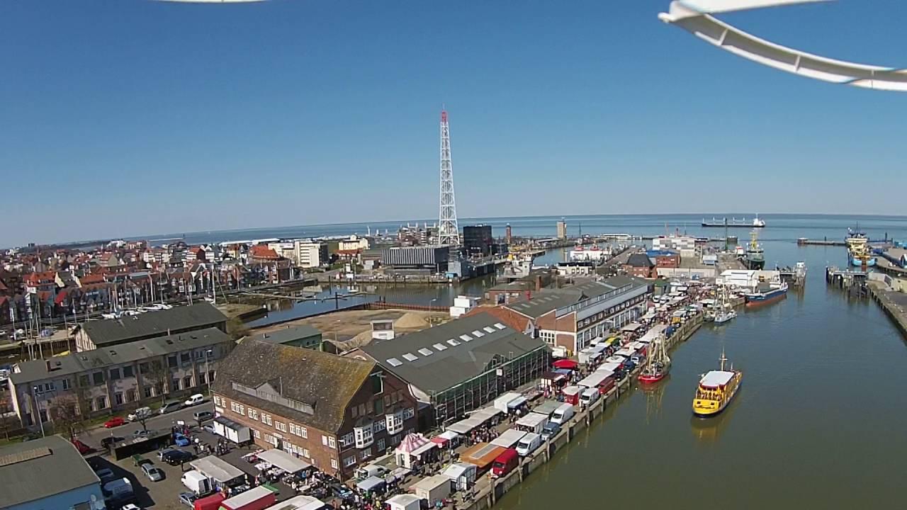 Fischmarkt Cuxhaven - YouTube