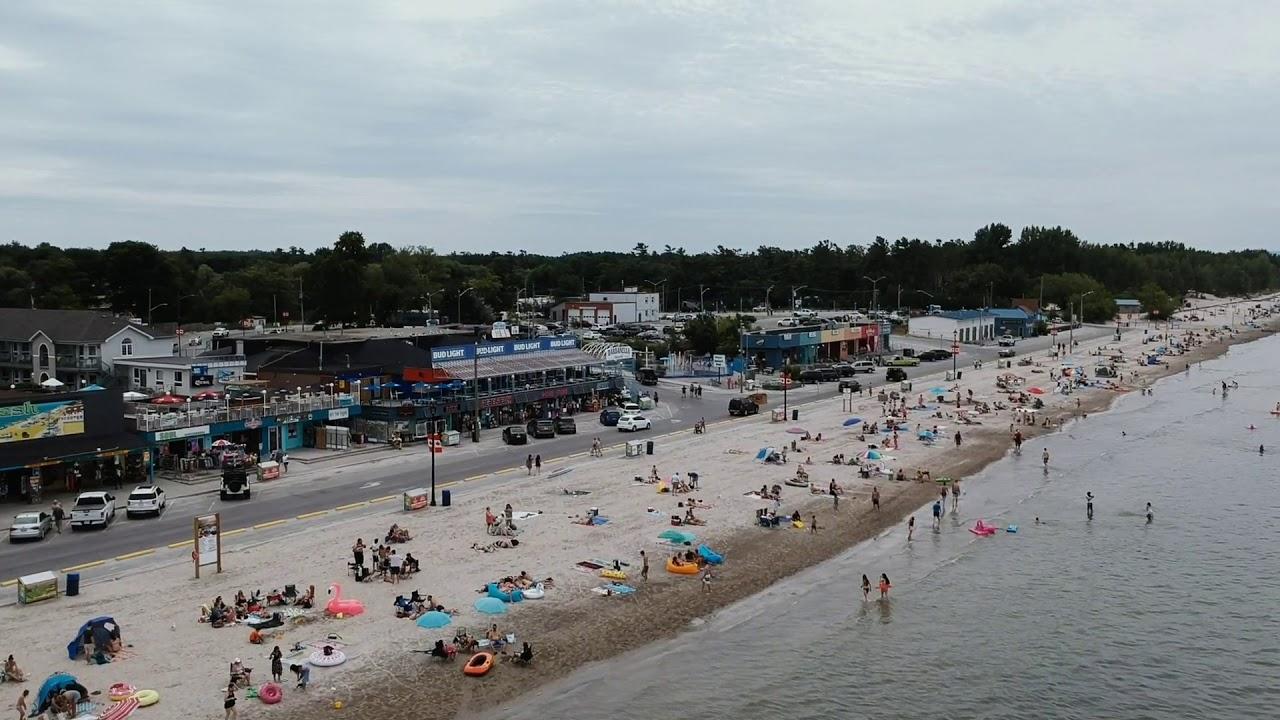 Wasaga Beach Hotels On The Strip