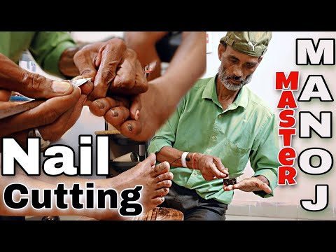 Legendary Manoj Master Indian barber leg nail cutting with iron knife very old traditional - Asmr
