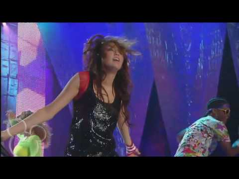 Miley Cyrus - Breakout - Disney Channel Games 2008 (720p HD)