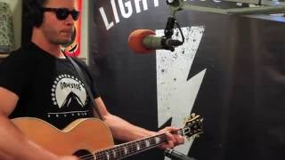Amos Lee - Spirit - Live at Lightning 100 presented by ONErpm.com
