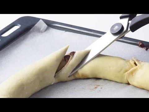 Faites un cercle avec de la pâte, et coupez-le. Waouh !
