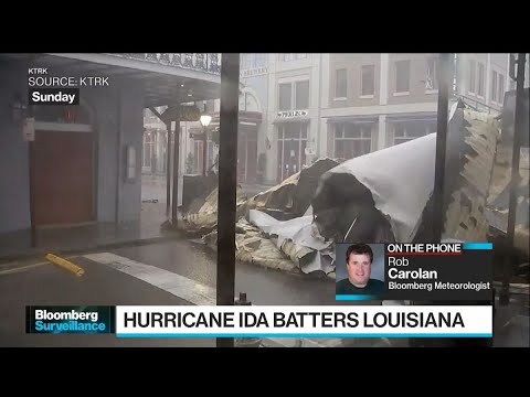 Hurricane-Ida-Slams-Into-New-Orleans-Tests-Levee-System