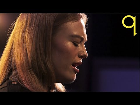 Freya Ridings - You Mean The World To Me (LIVE)