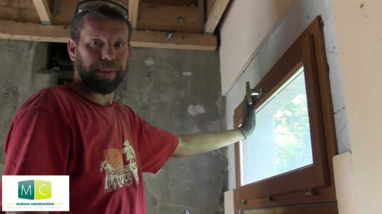 Pose fen tre renovation laying a window youtube for Cadre de fenetre en bois
