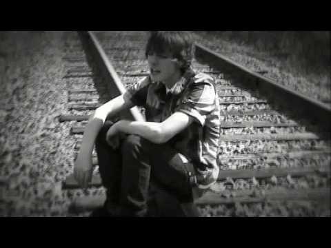 Клип Amasic - Breaking Apart