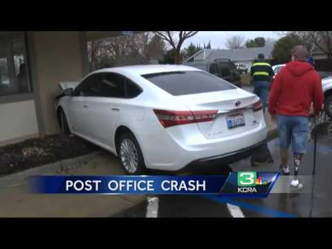 Driver slams car into Citrus Heights post office after foot slips