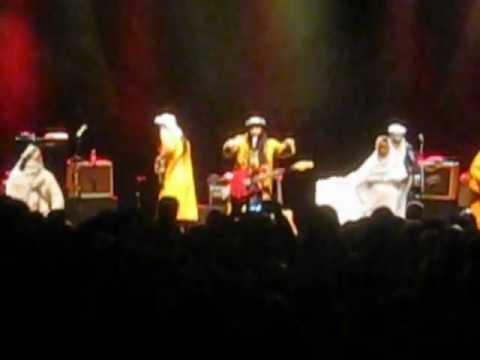 Tinariwen - Imazaghen n Adagh (Touareg Of The Adagh) O2 Shepherds Bush Empire May 3-2012