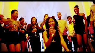Davido - Izzue ft Dammy Krane (OFFICIAL LYRIC VIDEO)