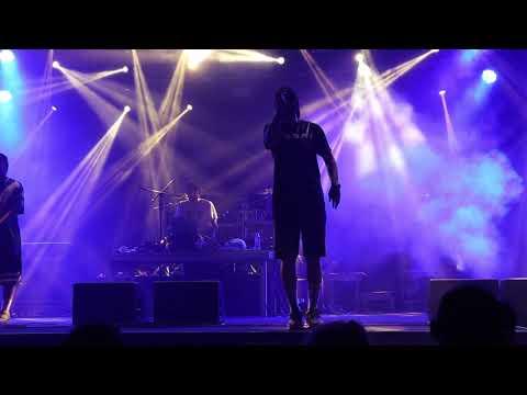 Şehinşat ft. Hidra - YAZ YAĞMURUM / Alaçatı Konseri 2019