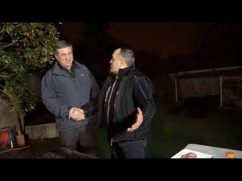 Жорж и брат из Москвы готовят шашлык из перепелки на мангале