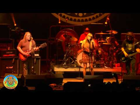 "Gov't Mule - ""Gold Dust Woman"" ft. Grace Potter - Mountain Jam VI - 6/4/10"