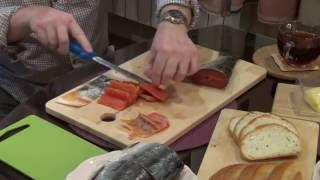Как быстро и вкусно солить рыбу кижуч [spasibozarybu.ru](Сегодня мы покажем Вам как вкусно и быстро засолить рыбку Кижуч в домашних условиях. За предоставленные..., 2015-12-03T06:56:53.000Z)