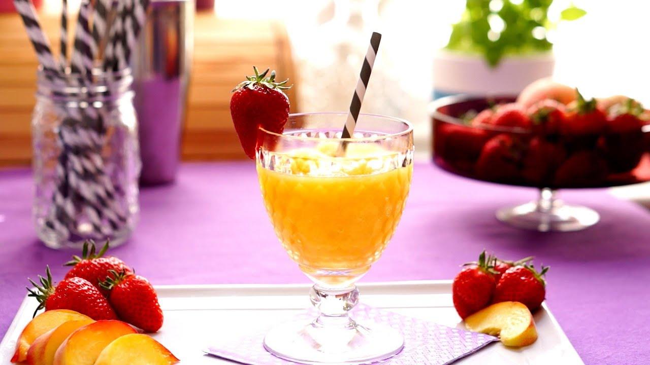 Heiße Tage, cooles Getränk: Den Pfirsich-Wein-Slushie selber ...