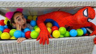 Kids play with hide and seek, surprise slime toys - for kids video
