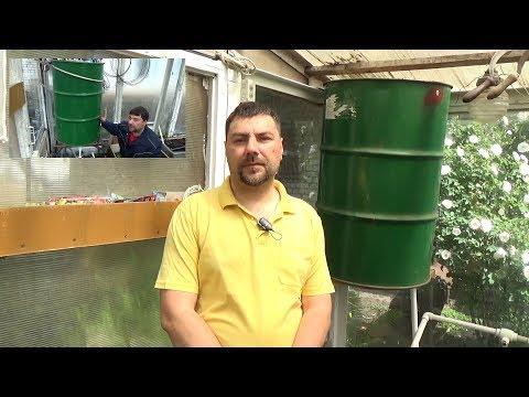 Капельный полив в теплице своими руками видео из бочки