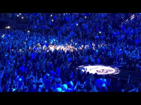 Britney Spears -  Audience's Reaction - Hit The Stage! Work B (Live iHeart Music Festival 2016)