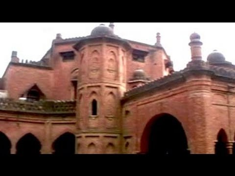 Aligarh Muslim University's struggle to re-establish its repute (Aired: March 2006)