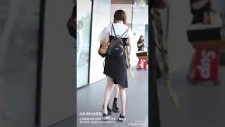 Những cặp bách hợp đẹp trên phố đi bộ Trung Quốc