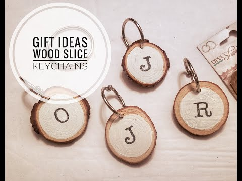 Gift Ideas|Wood Slice Keychains|25 Days of Christmas Crafts