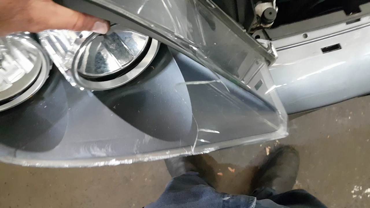 Opel Astra headlamp removal. Holden AH Astra headlamp removal ...