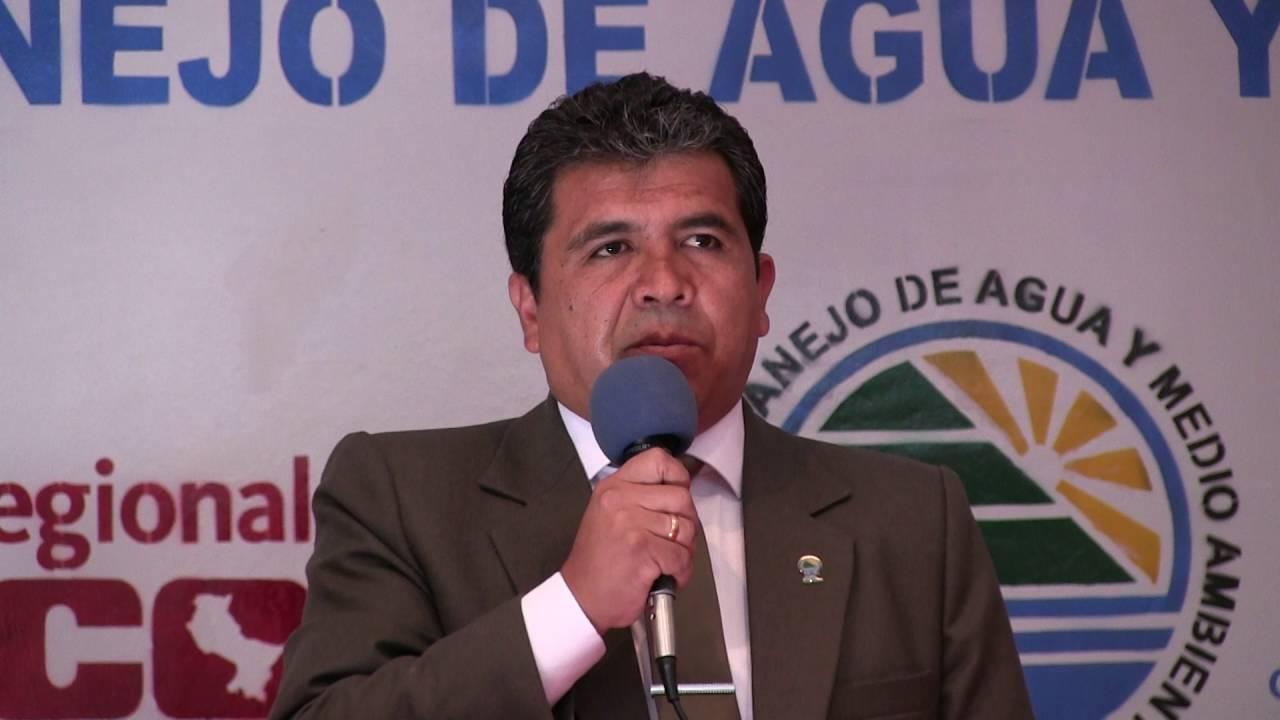 "Director de IMA Cusco presentó el ""Libro de Plata"""