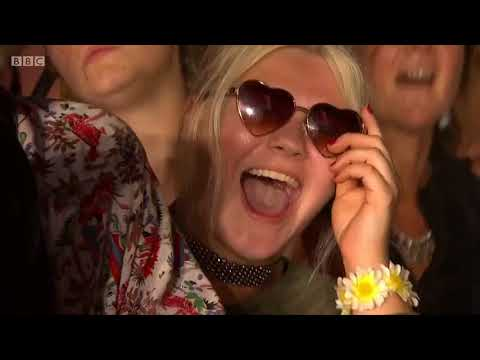 Kasabian - Switchblade Smiles (Reading Festival 2017) [10/18]