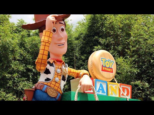 LIVE: Disney's Hollywood Studios - Galaxy's Edge - Toy Story Land - Walt Disney World