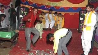 Mehndi Dance By Pakistani Boys @ Shahzad