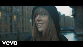 Antje Schomaker - Bis mich jemand findet (Offizielles Musikvideo)