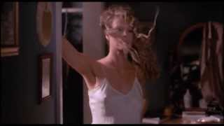 Kim Basinger - dancing