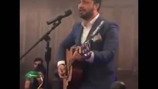 Atif Aslam sing live Dil Ye Dancer Ho Gaya Hd Official. Atif Aslam with Guitar.