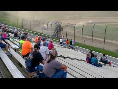 Late models 30 lap barn burner feature at brushcreek motorsports complex 7/30/17