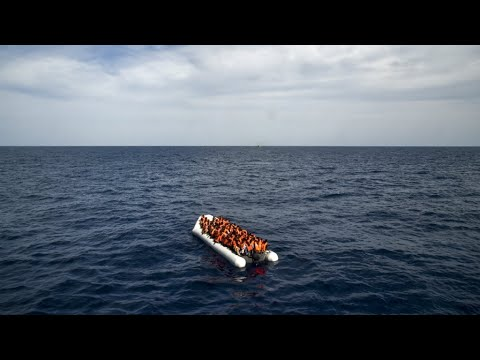 فقدان عشرات المهاجرين بعد غرق مركب للهجرة غير الشرعية قبالة تونس