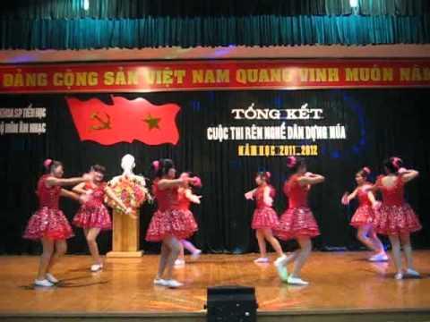 Múa: Em là bông hồng nhỏ ( Thanh Hương & tốp múa K32-CDSPMN)
