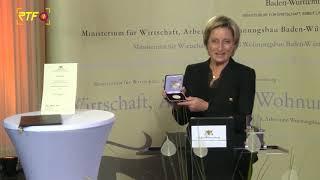 Hoffmeister-Kraut verleiht Wirtschaftsmedaille an Unternehmer