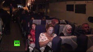 Самолет МЧС вывез из зоны военных действий в Сирии 56 человек(Самолет МЧС России, доставивший в Сирию более 20 тонн гуманитарной помощи, забрал из аэропорта Латакии 56..., 2015-10-17T08:45:28.000Z)