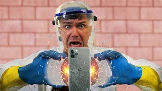 Что будет если соединить два монстр магнита и положить iPhone 11 между ними