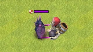 "MAX GIANT SKELETON VS. MAX PEKKA "" Clash of clans "" HALLOWEEN update"